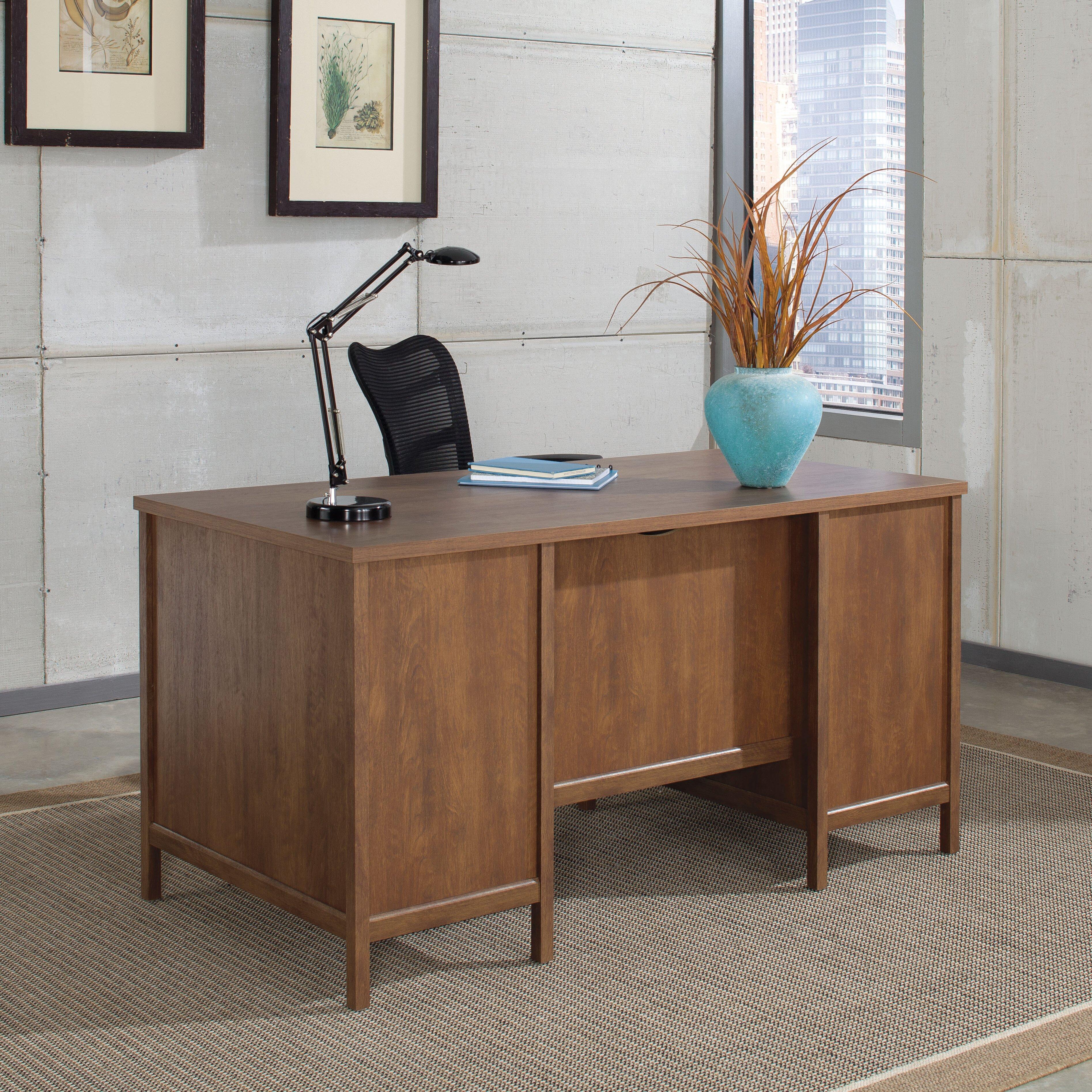 Sauder Kersley Executive Desk & Reviews