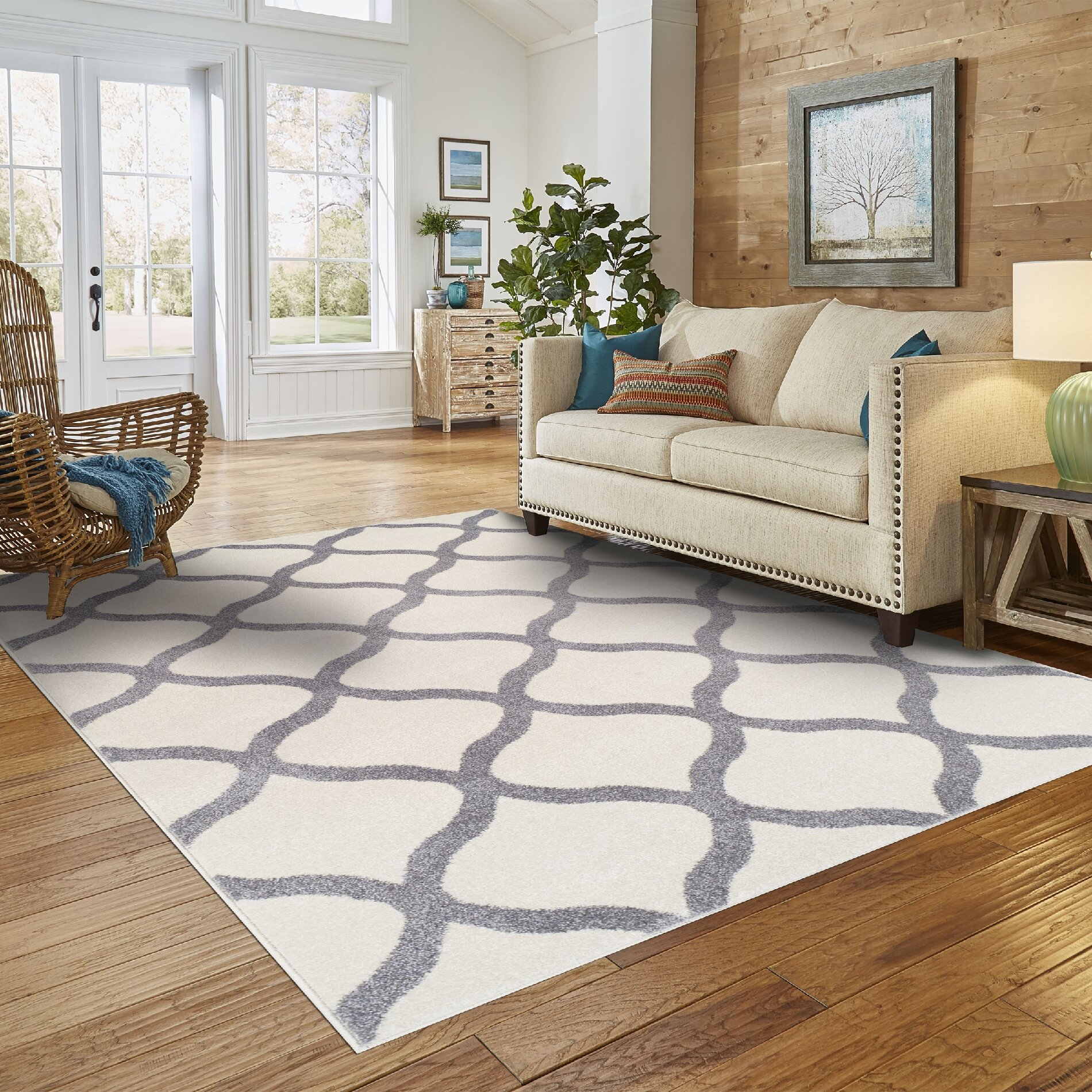 Dog Eating Wool Rug: Simple Luxury Modern Trellis Ivory/Silver Area Rug
