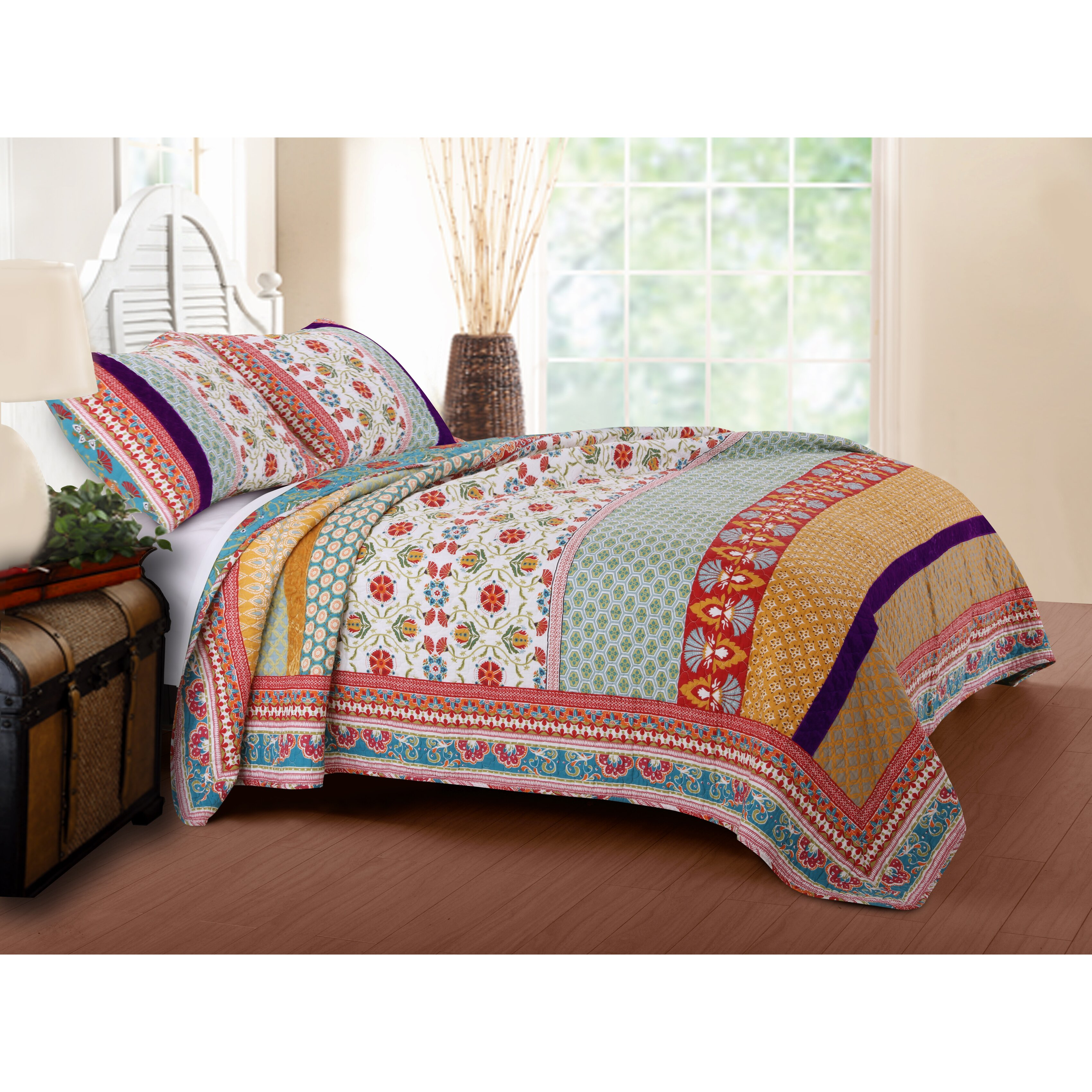Greenland Home Fashions Thalia Reversible Quilt Set