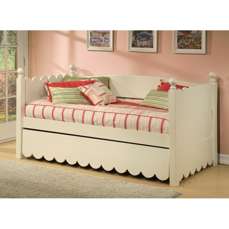 Alligator Scallop Daybed With Pop Up Trundle