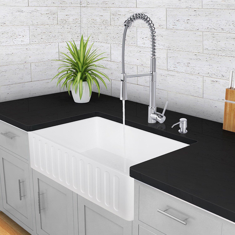 "Vigo 33"" x 18"" Farmhouse Kitchen Sink & Reviews"