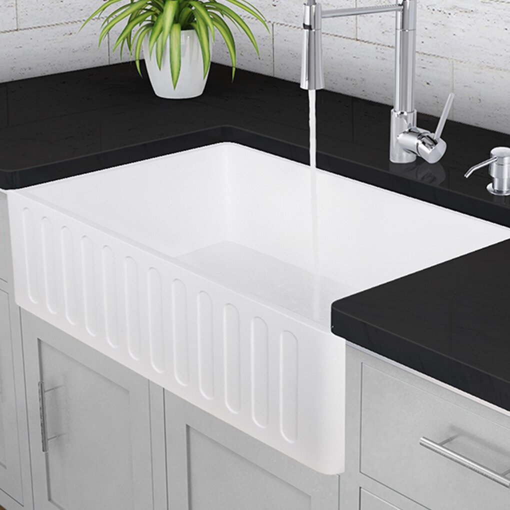 "Vigo 33"" x 18"" Farmhouse Kitchen Sink & Reviews"