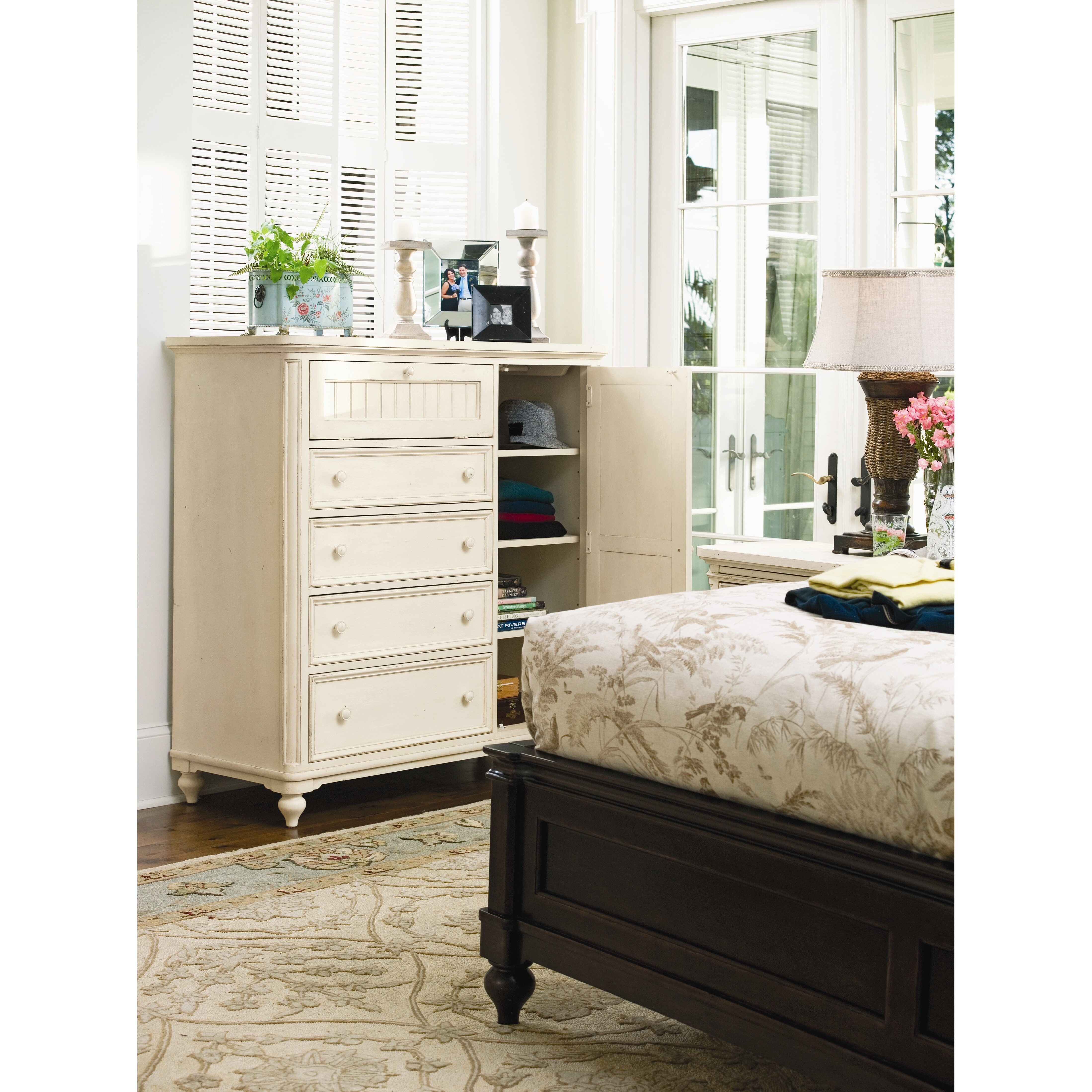 Paula Deen Home Steel Magnolia 4 Drawer Gentleman 39 S Chest Reviews Wayfair