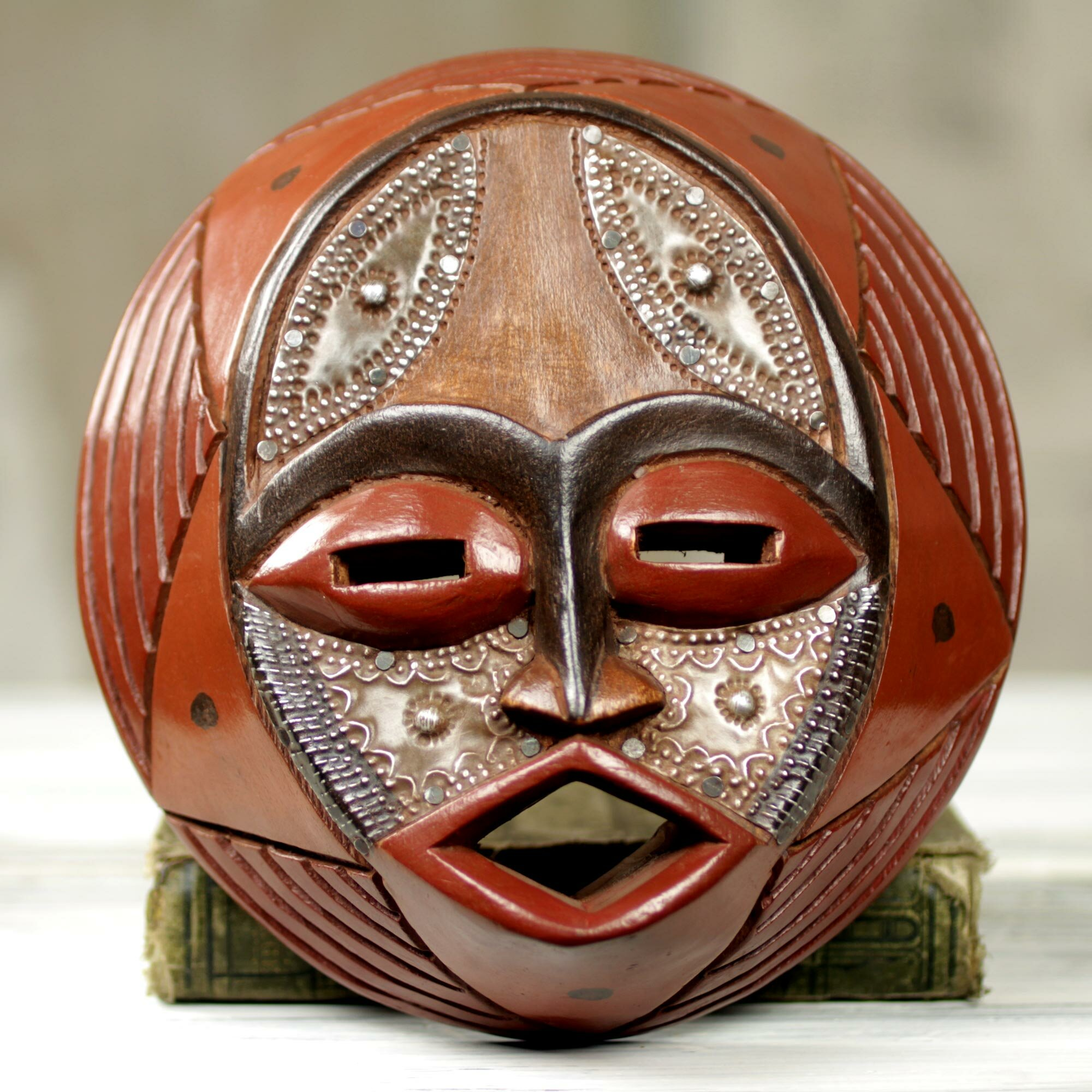 Novica Victor Dushie Handcrafted Circular West African Mask Wall Decor