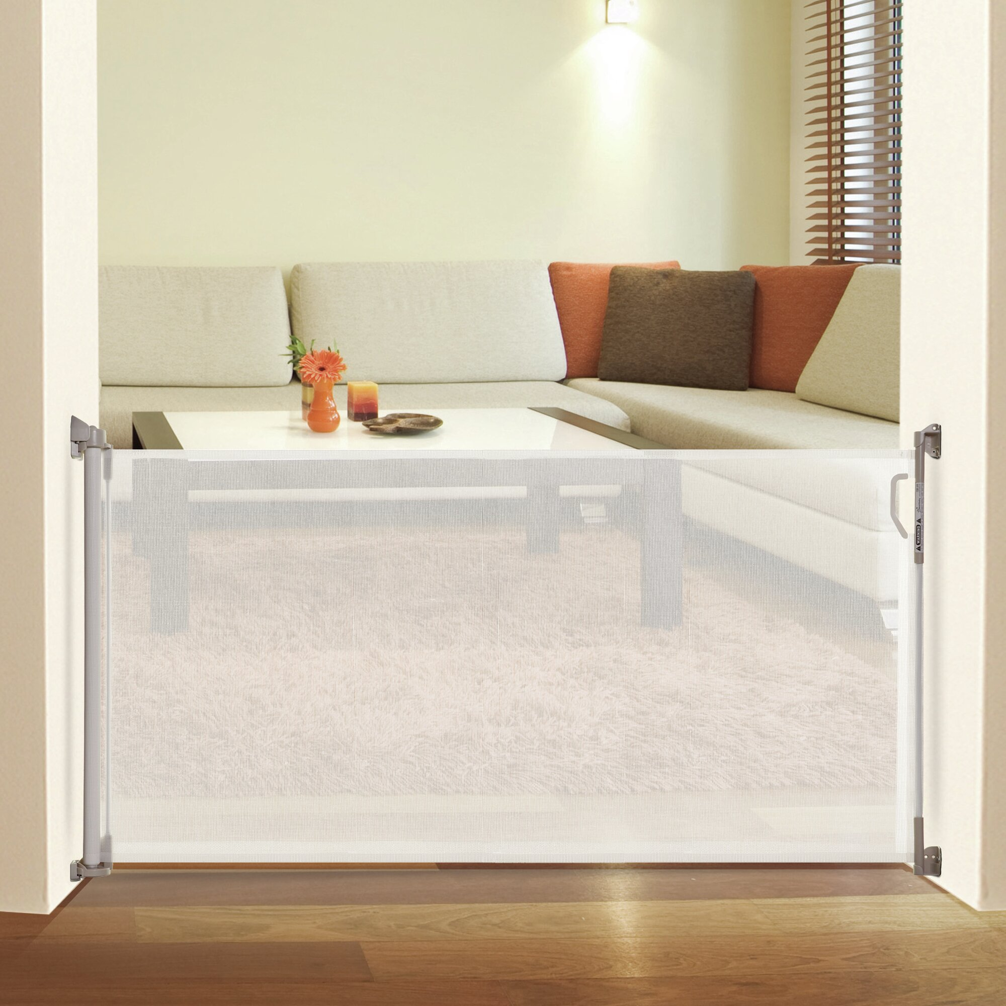 Dreambaby Indoor/Outdoor Retractable Gate & Reviews