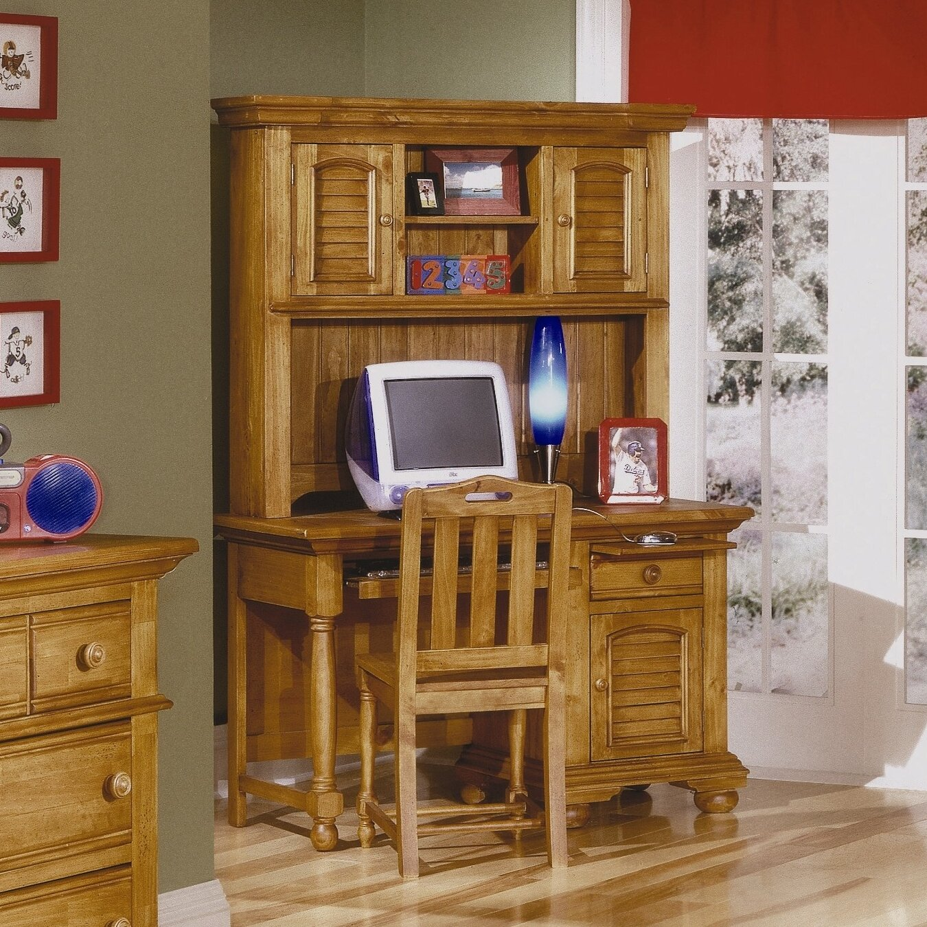 American Woodcrafters 48 Quot Computer Desk With Hutch